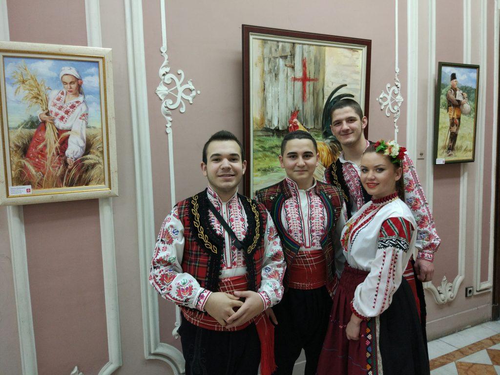 Учениците от НУФИ Филип Кутев гр. Котел