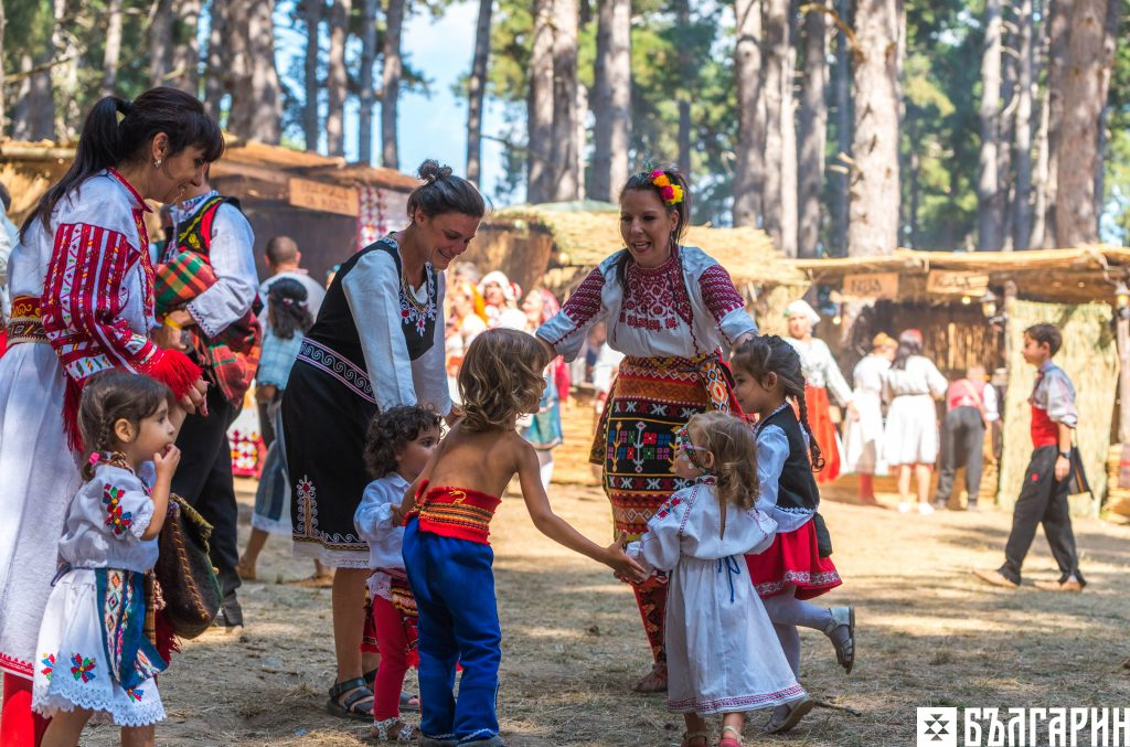 Първи уроци по народни танци