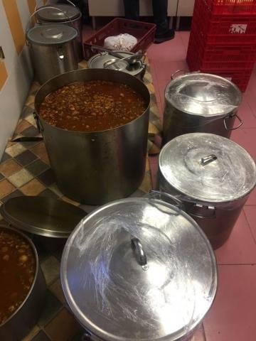 Фондация БЪЛГАРИН- празничен новогодишен обяд за хора в нужда